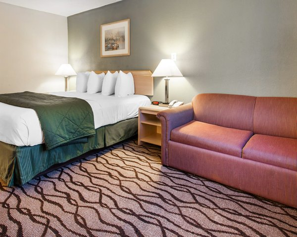 Quality Inn and Suites Vancouver north